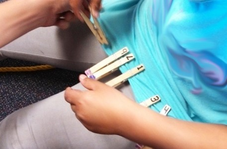 clothespin-matching-1.jpg